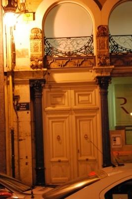 un ingresso in Plaza de la Reina
