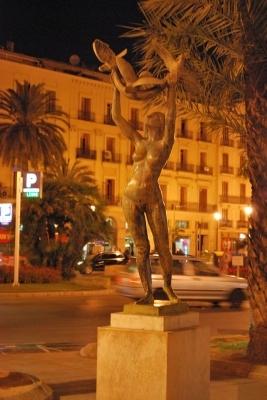 la statua di prima