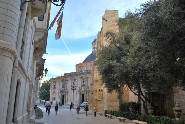 verso la real basilica de la Virgen de los desamparados