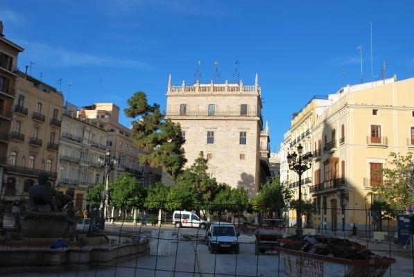 Palau de la Generalitat da Plaza de la Virgen