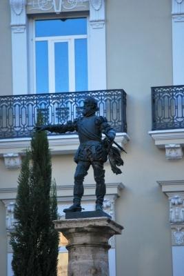 Monumento in Plaza Manises