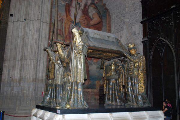 cattedrale di Siviglia tomba di Cristoforo Colombo